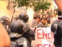 Cargas policiales en los alrededores del 'banco okupado'