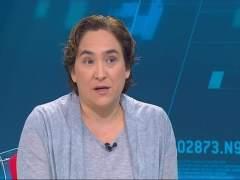 Ada Colau ofrece una mesa de diálogo para rebajar las tensiones en el barrio de Gràcia