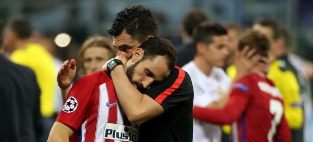 """Juanfran escribe una carta a la afición atlética: """"Gabi levantará la Champions tarde o temprano"""""""