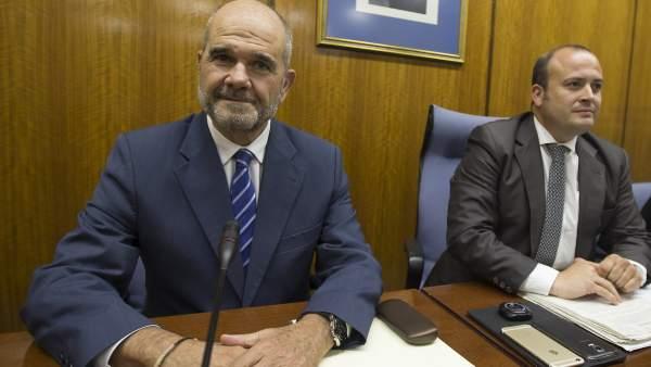 Chaves y Griñán declaran en la comisión del Parlamento