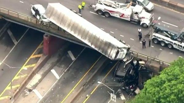 Pánico en una autopista de Nueva York