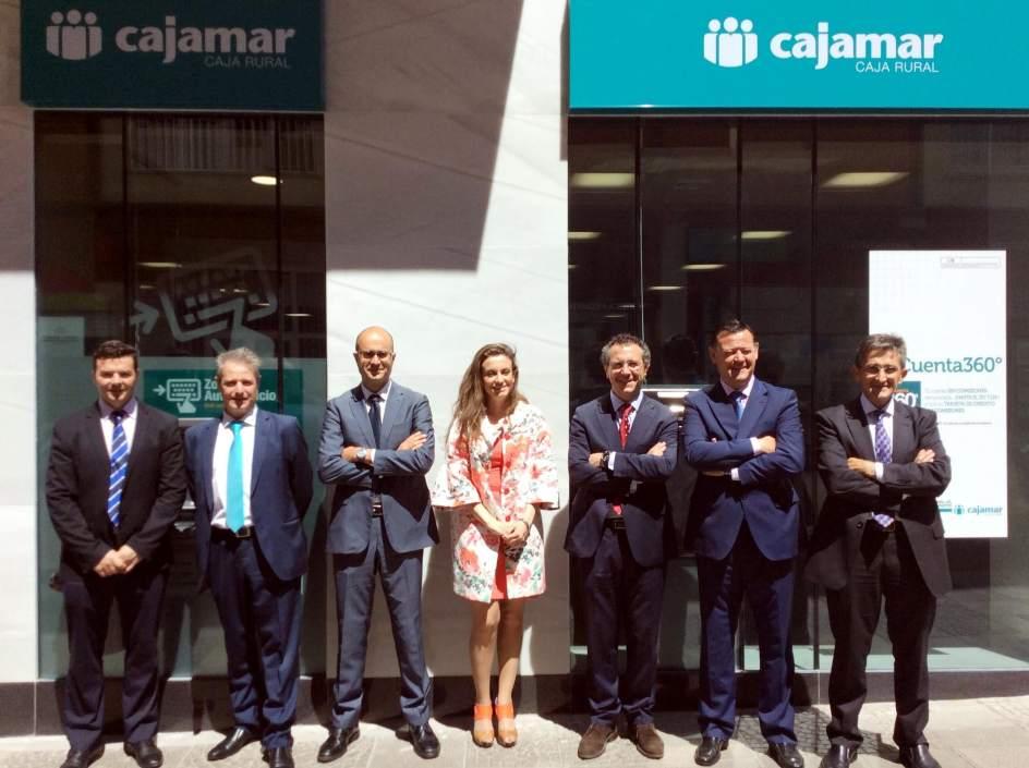 Cajamar caja rural abre una oficina en m rida la primera for Caja de granada oficinas