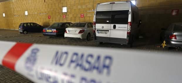 Mata a su mujer en el aeropuerto de Sevilla