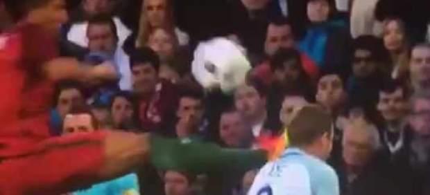 Brutal patada de Bruno Alves en el amistoso Portugal – Inglaterra