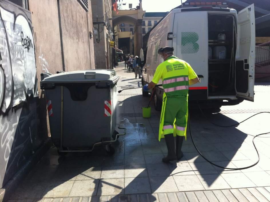 Barcelona limpia a fondo 158 plazas y los alrededores de - Agencias de limpieza barcelona ...