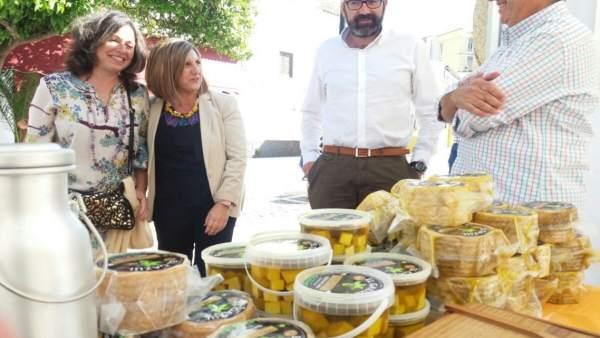 García asiste a la Feria de Ecosistemas y Bosques en Alcalá de los Gazules