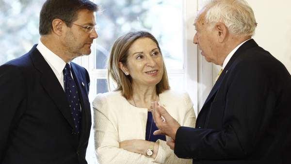 Rafael Catalá, Ana Pastor y José Manuel García Margallo en Moncloa.