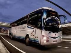 Trece heridos al chocar un autobús Barcelona-Vigo con un tractor