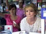 Esperanza Aguirre en la Feria del Libro