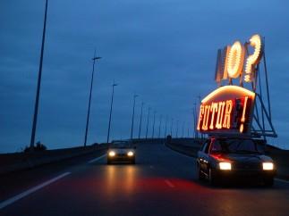 Jordi Colomer - NoFuture, 2006 - Vídeo y coche con luminoso