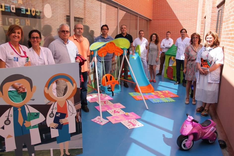 uel jardn de los nuevo espacio de juegos al aire libre para nios ingresados en el hospital de helln