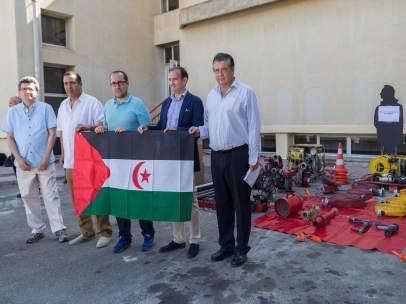 Donación de material de bomberos  a los campamentos de refugiados sararauis