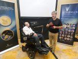 Hawking visita Canarias