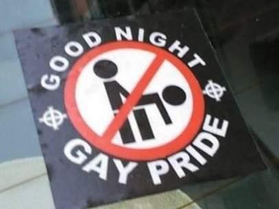 Pegatinas homófobas en el centro de Madrid