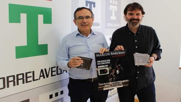 Presentación del disco junto al alcalde
