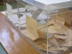 Urnas con papeletas al Congreso y Senado