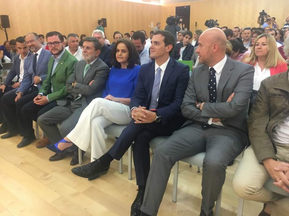 Rivera pide la dimisi n del ministro del interior si se for Ministro del interior espana 2016