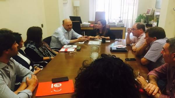 Pradas y Pérez durante la reunión con los sindicatos