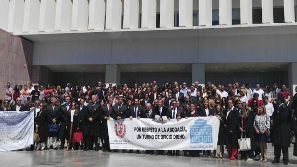 Concentración abogados Málaga para mejor turno de oficio