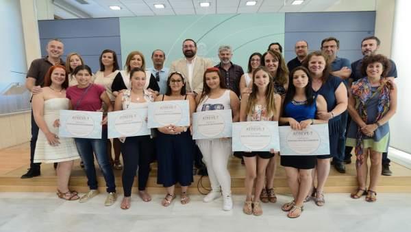 El programa 'Atréve-T' facilita la obtención del título de Secundaria a alumnas