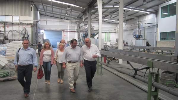 Visita del alcalde de Carmona a las instalaciones de Irritec