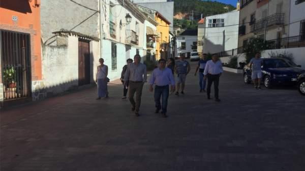 Reyes visita el municipio de Génave