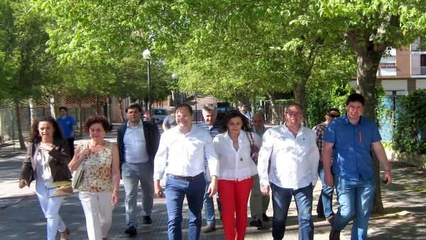 Luena y Aldama, con sus compañeros del PSOE