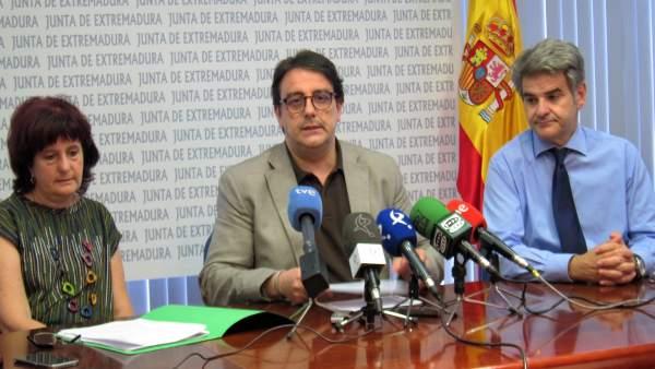 José María Vergeles, en el centro