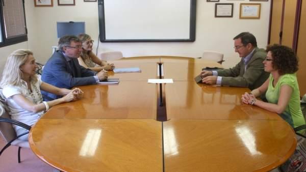 Reunión entre equipos directivos de Sanidad de Cantabria y Asturias