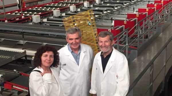Los candidatos de Unidos Podemos visita la cooperativa CASI