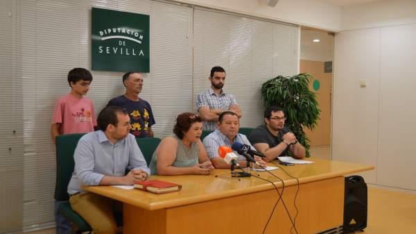 Rueda de prensa de alcades y diputados de IU en la Diputación de Sevilla