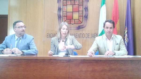 Los tres concejales no adscritos en la rueda de prensa