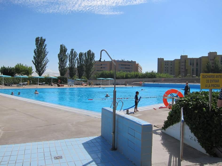 La campa a 39 sol sin riesgo 39 llega a las piscinas municipales - Piscinas municipales zaragoza ...
