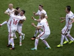 Polonia pasa a cuartos de la Eurocopa tras vencer a Suiza