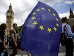Reino Unido asimila el 'brexit' entre presiones de la UE para iniciar su salida