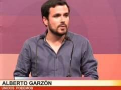 Alberto Garzón llama a la calma y la prudencia ante los resultados de los sondeos a pie de urna