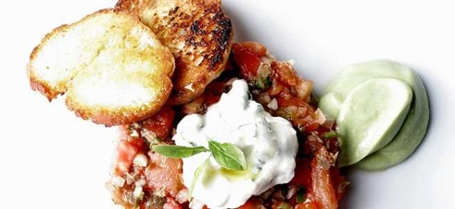 Tartar vegetariano de tomate y sandía