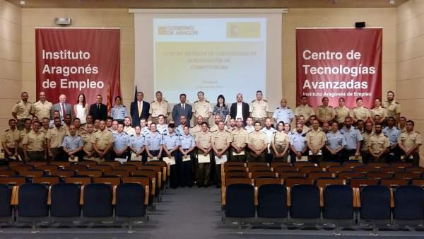 INAEM y Defensa acreditan la experiencia de 75 miembros de las Fuerzas Armadas