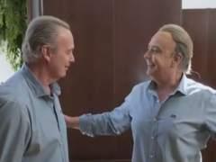 """Bertín confiesa a su doble que no es feliz y que cantó """"para el narco más famoso de la historia"""""""