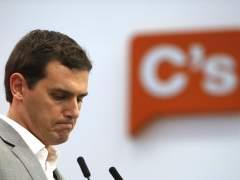 Rivera ha hablado con Rajoy y Sánchez y les emplaza a una mesa de negociación