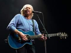 Barry Gibb, de los Bee Gees, publicará disco en solitario