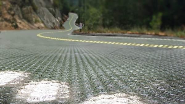 Carretera pavimentada con Solar Roadways