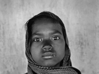 Sebastião Salgado - Center for orphans from the tribes of southern Bihar. Bihar State, India. 1997