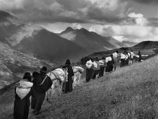 Sebastião Salgado - Region of Chimborazo. Ecuador. 1998.