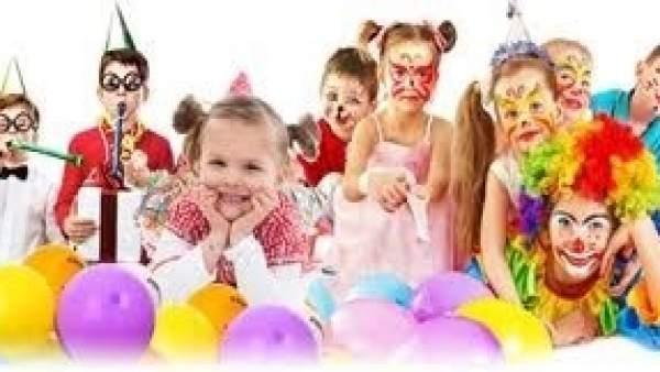 Actividades de globoflexia y pintacaras en el Club Infantil de Los Arcos.