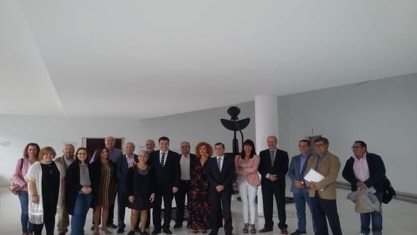 Xunta firma un convenio para subvencionar comedor y transporte a discapacitados