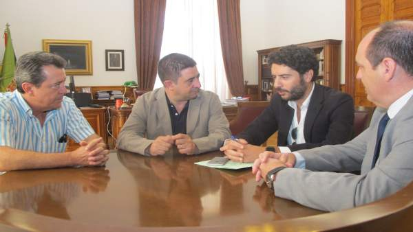 Reunión de Francisco Reyes con el Linares Deportivo