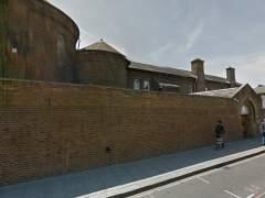 """Pintada racista en un colegio español en Londres: """"Panda de extranjeros"""""""