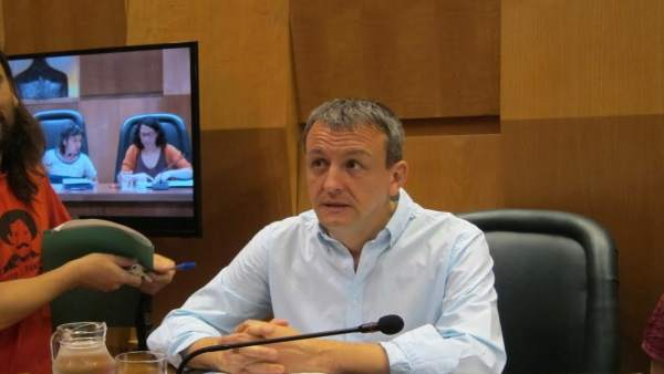 Fernando Rivarés en el pleno del Ayuntamiento.