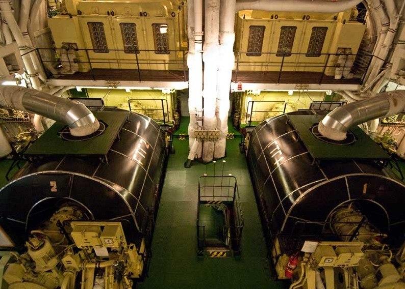 Cada reactor se encuentra encerrado en su propio compartimento, rodeado de agua, acero y cemento de alta densidad